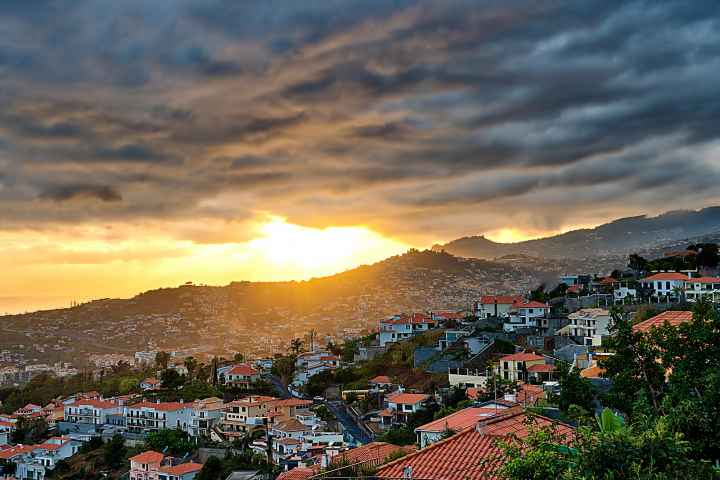 Sonnenuntergang in Funchal Madeira