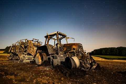 ausgebrannter Traktor