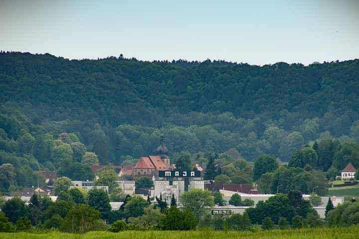 Blick vom Mittelpunkt Oberfrankens auf Kasendorf