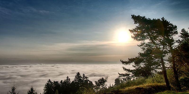 Wolkenmeer bei Sonnenaufgang am Görauer Anger